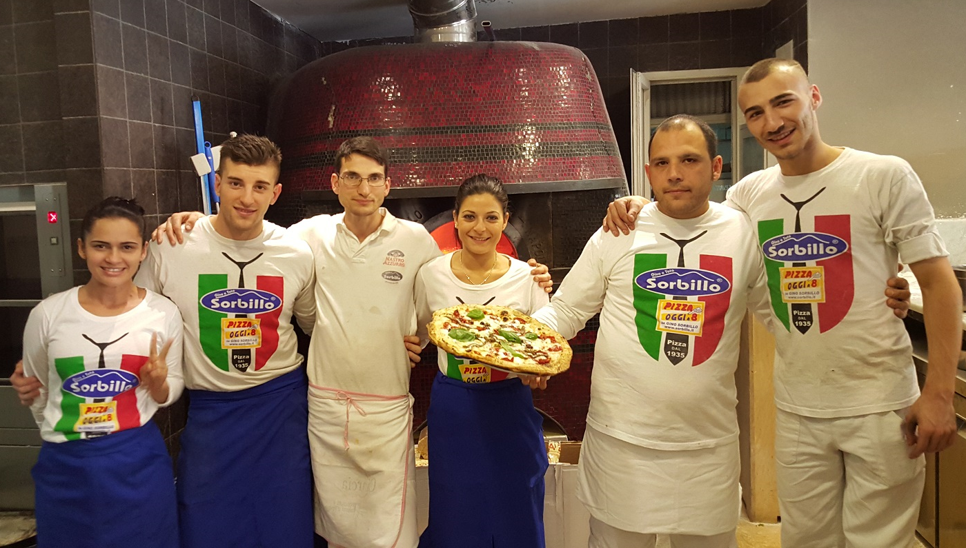 Lo staff di Lievieto Madre al Duomo: Neila, Francesco, Nando, Luisa, Gennaro e Adriano
