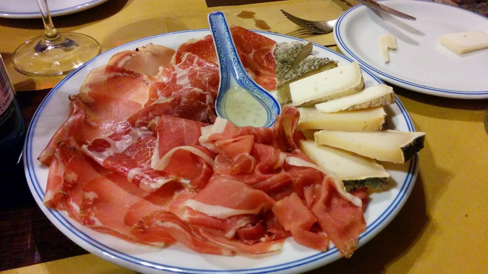 La Morra (CN): Delicious salumi at Vineria San Giorgio