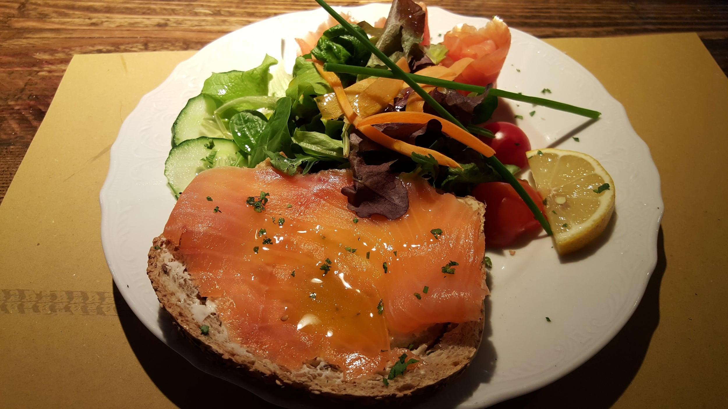 Crostone di salmone affumicato