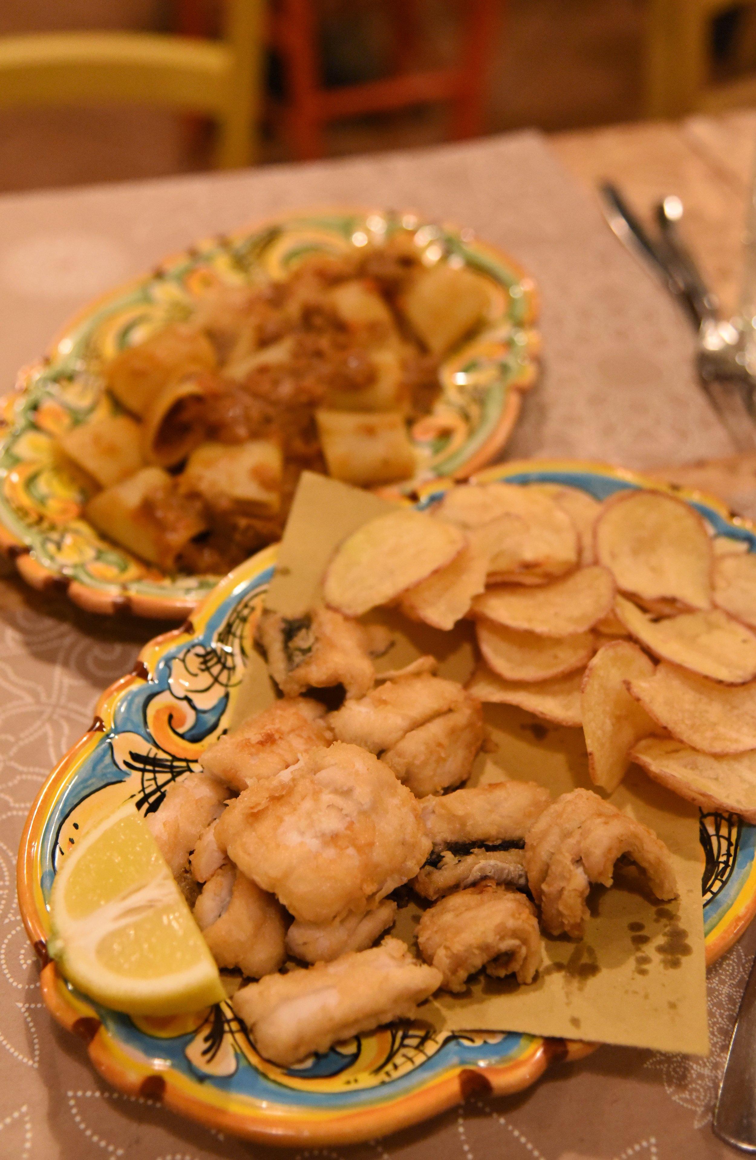 Spatula fried paddle fish