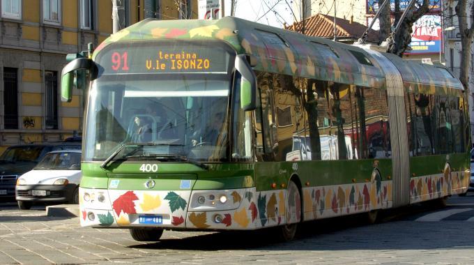 Il filobus della circonvalla (foto   ilgiorno.it  )