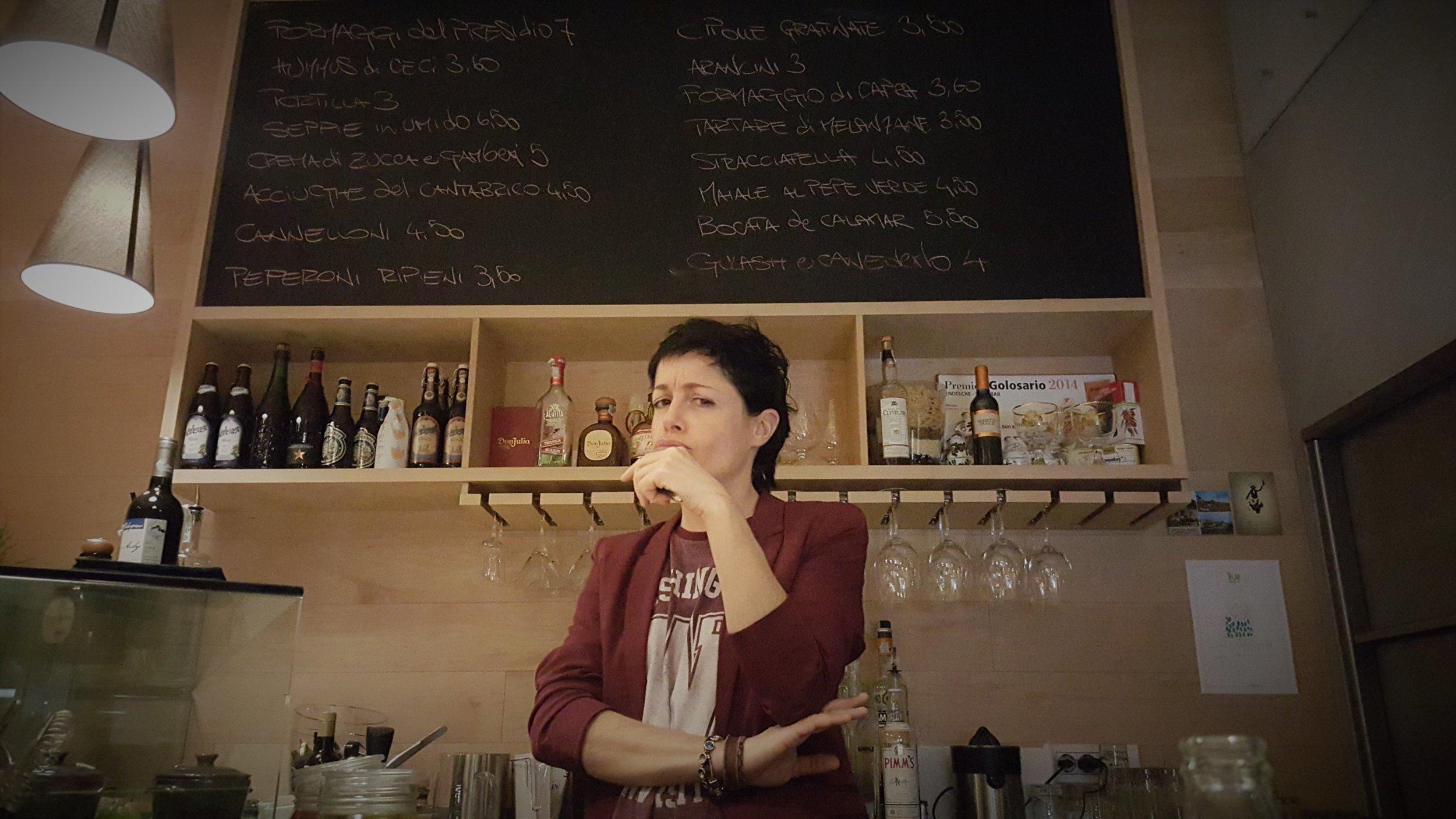 Arianna Gila, proprietaria piemontese/pugliese del locale più figo di Trento, barlady, sommelier, world traveller, e soprattutto persona bellissima