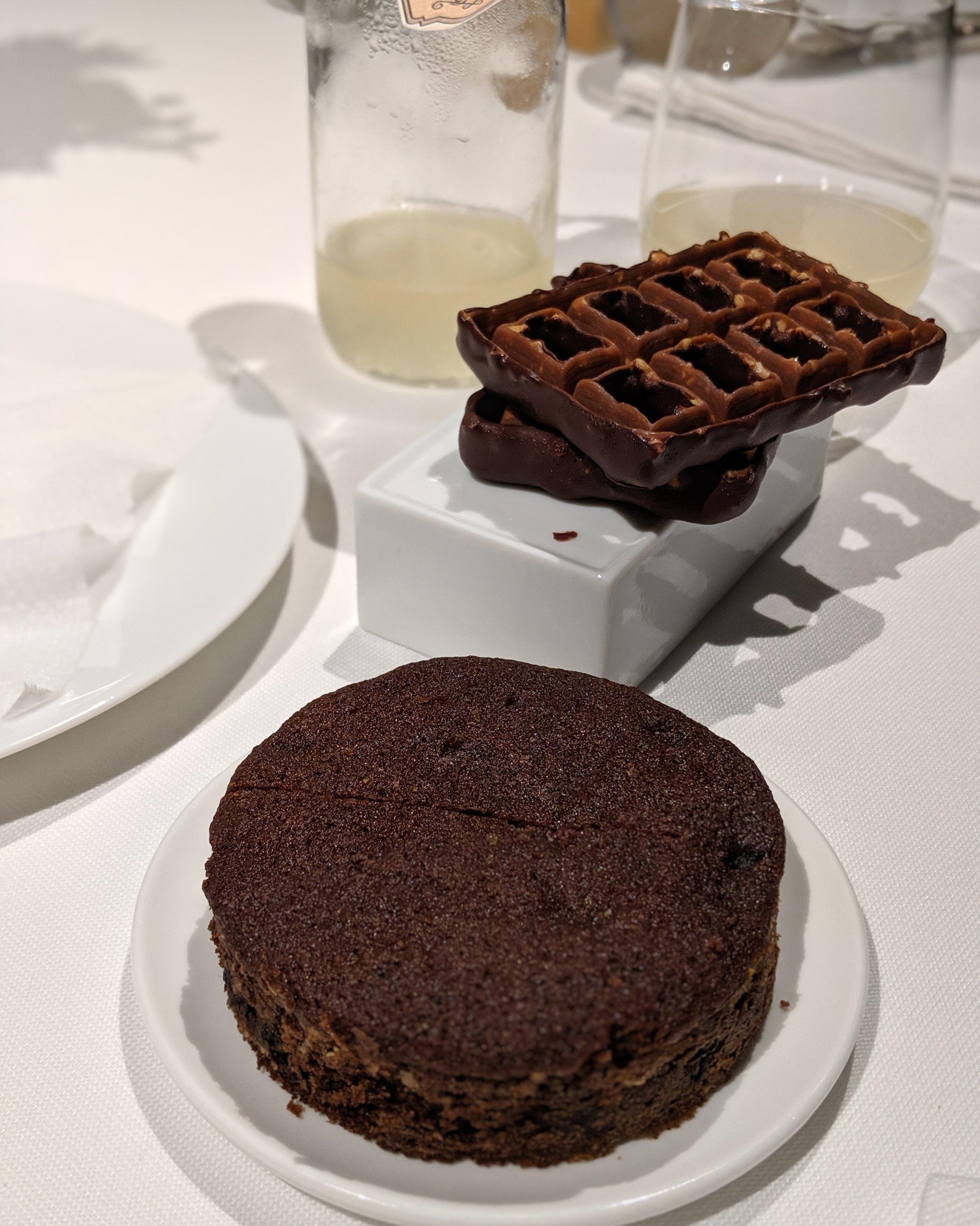 Ciccolata nitro e frangipane caldo ai mirtilli