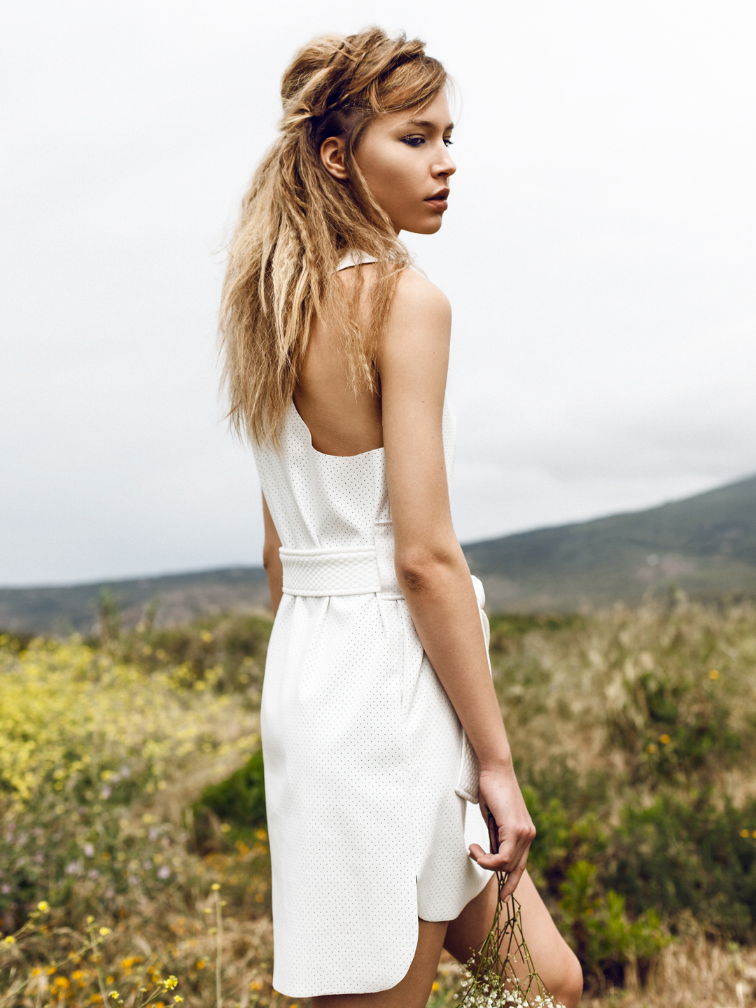 """""""White Sands"""" editorial, featuring Taru (Elite Lisbon). Styling by Rita Alves, make up by Cris, hair by Pini Hairstyle."""