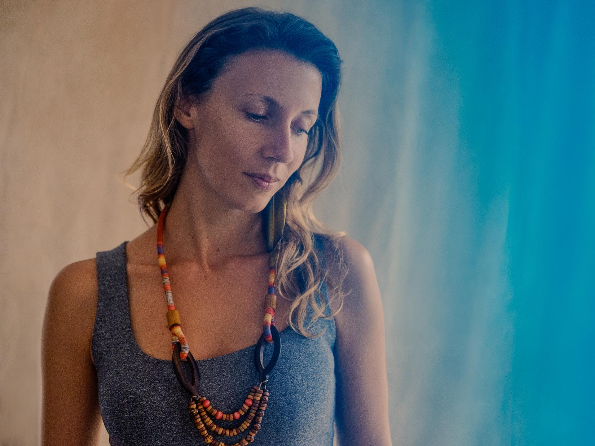 Violeta Lapa em estúdio, no dia da gravação do episódio