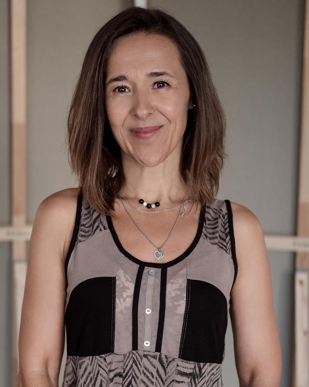 Teresa Manafaia em estúdio, no dia da gravação deste episódio