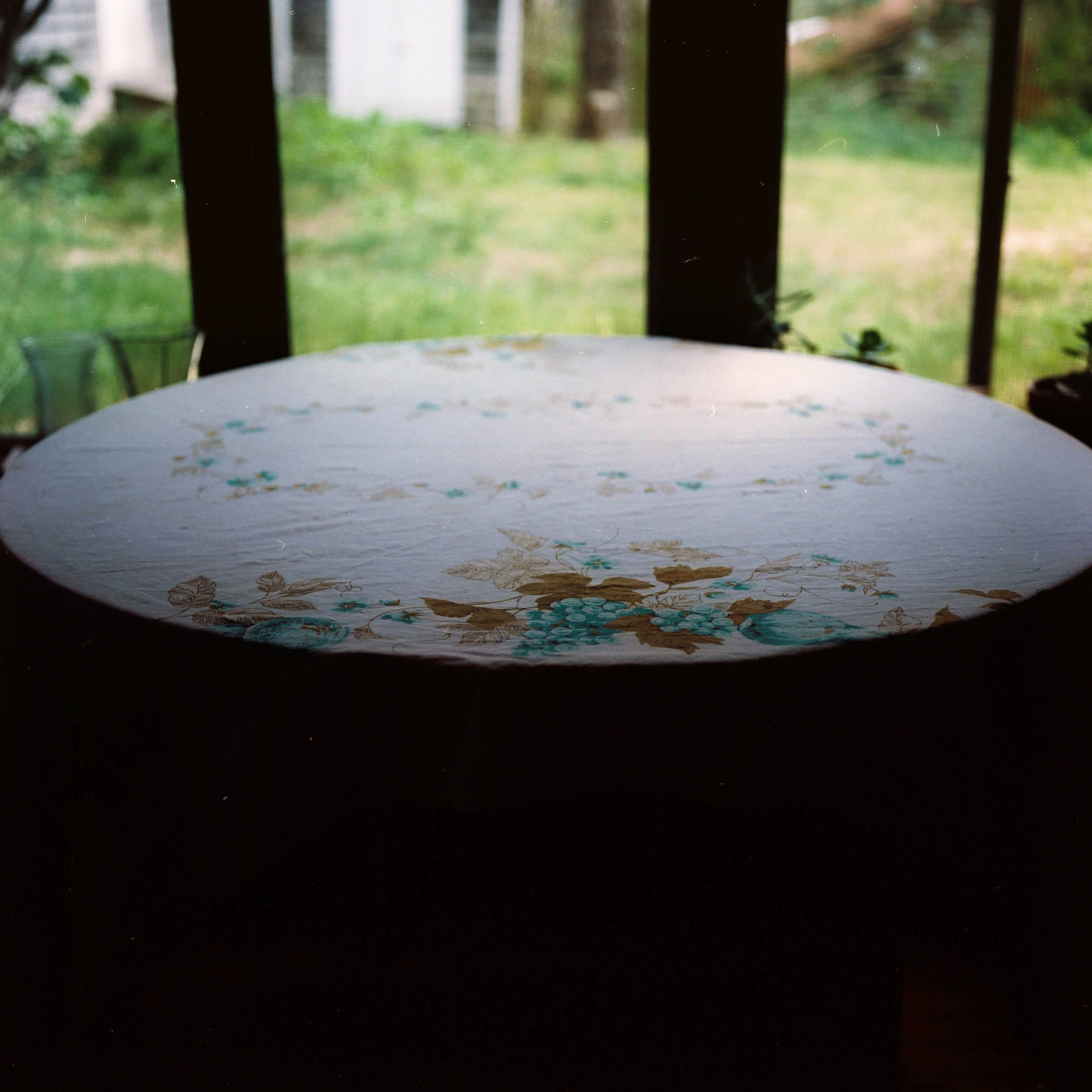 zach and el's new tablecloth ii.jpg