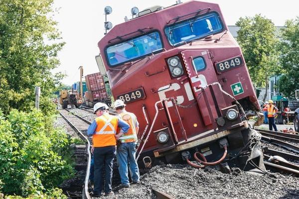 toronto train derailment aug 2016.jpg