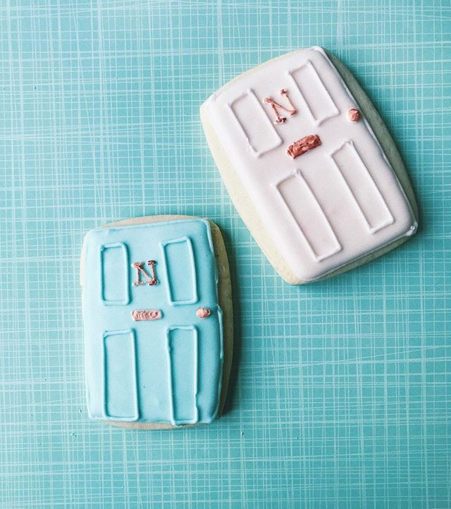 Opening the door on a new chapter? District Desserts has cookies fit for any housewarming! 💻 Website: districtdesserts.com ✉️ Email: orders@districtdesserts.com