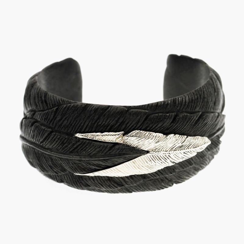 Half_Feather_Single_Bracelet_1.jpg