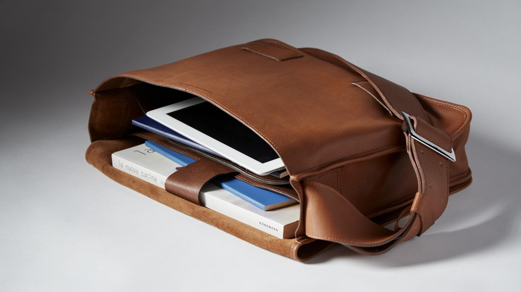 Mercurio Messenger Bag Interior