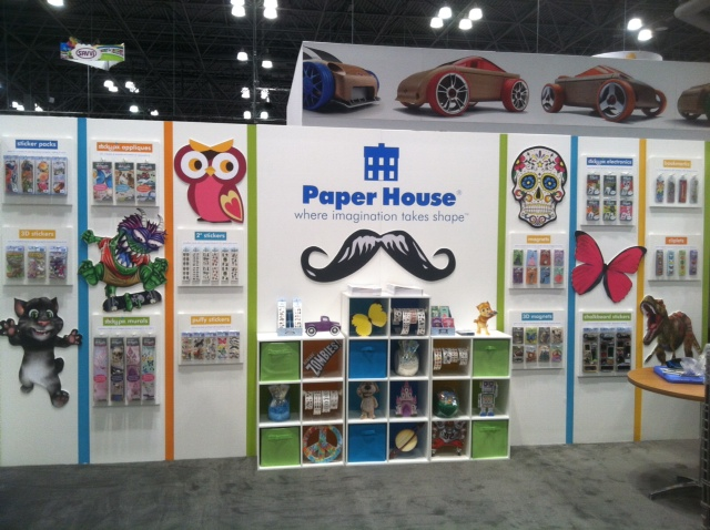 Fian Arroyo Paperhouse Toyfair 2014.jpg