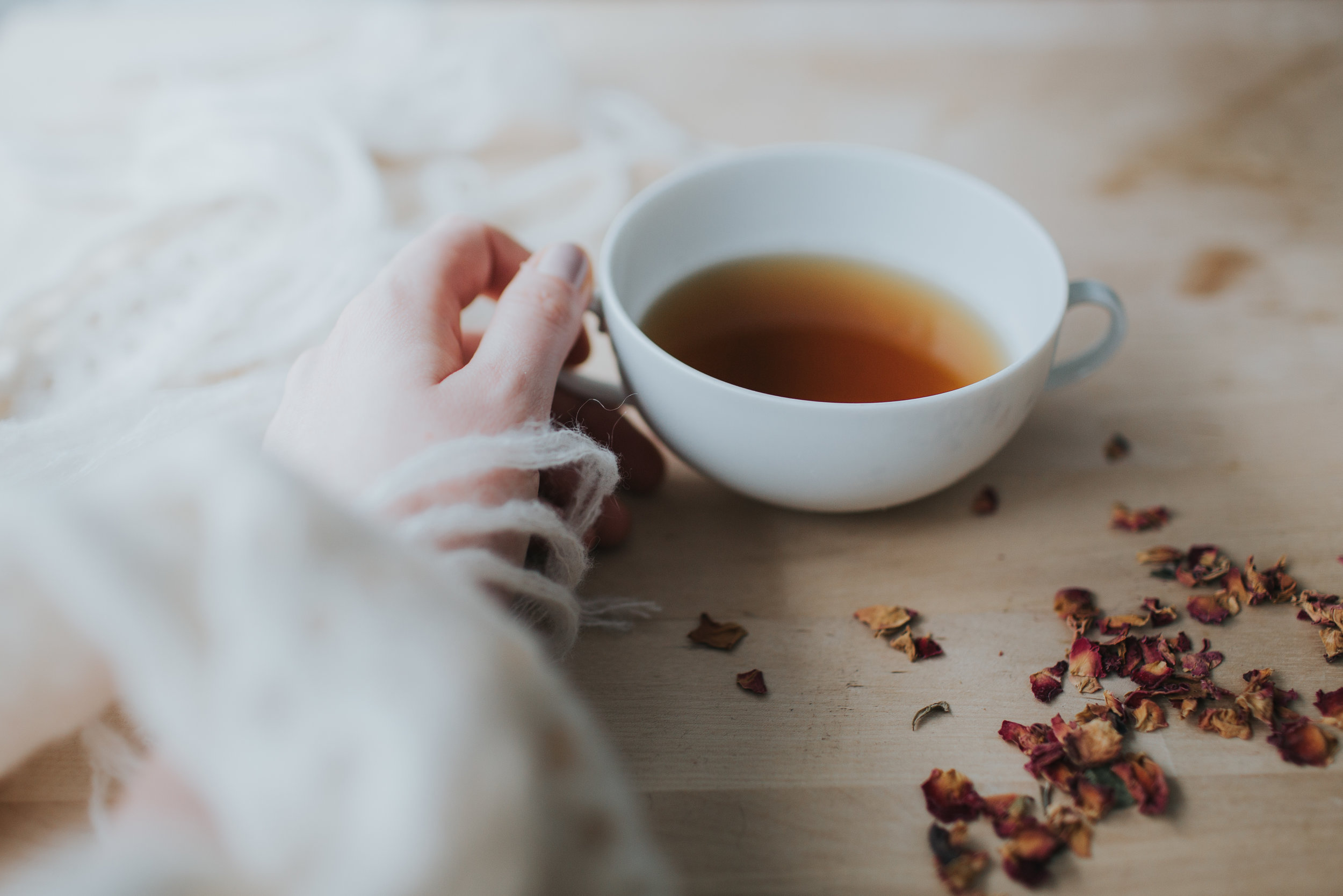 tea during pregnancy, postpartum, breastfeeding and during menstruation. All the mama tea's on www.houseofsmilla.com/blog/mamateas - Motherhood and slow living blog by Eva-Maria Smith