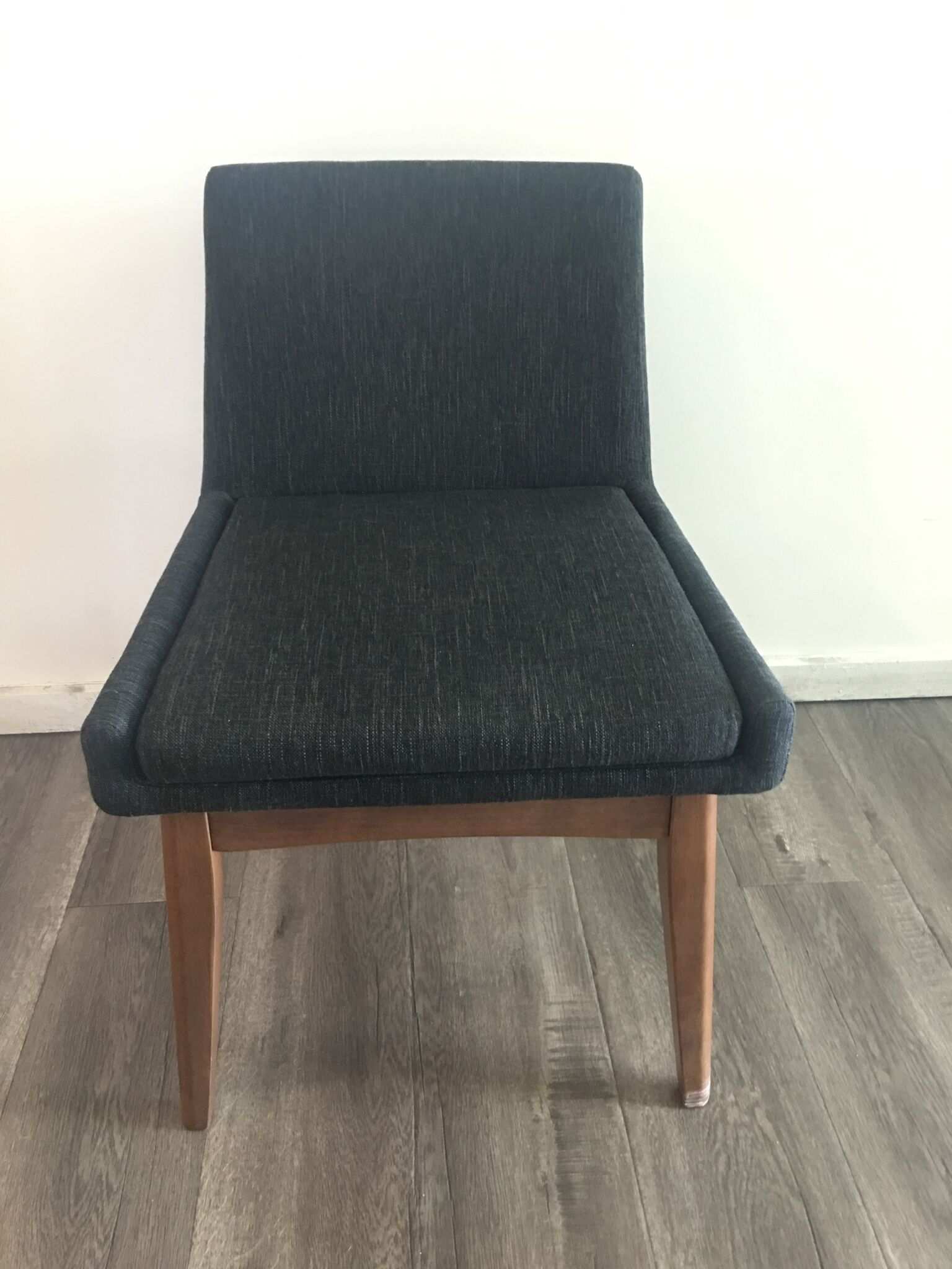 Fabric Chair Quantity: 4