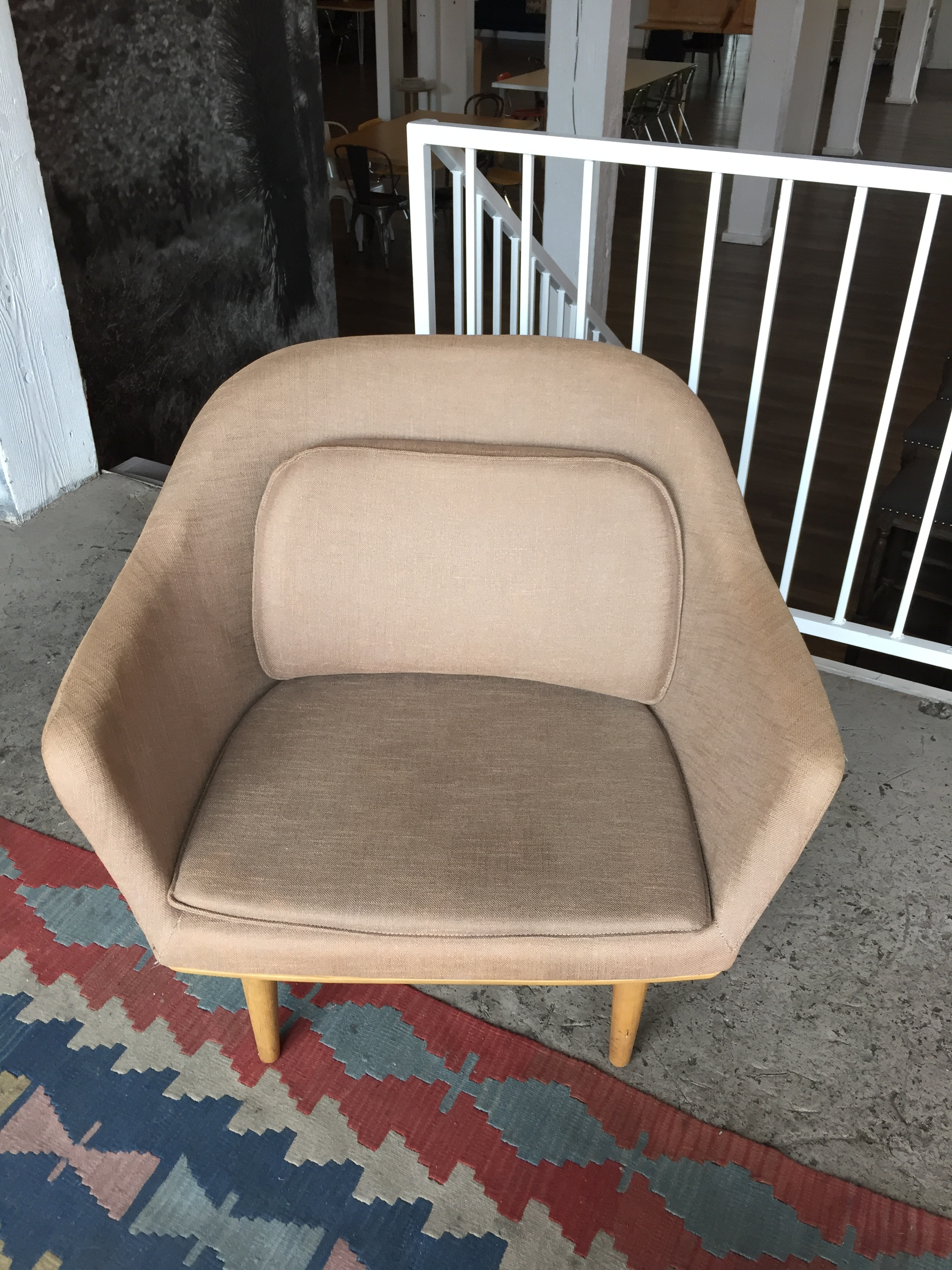 Fabric Arm Chair Quantity: 1