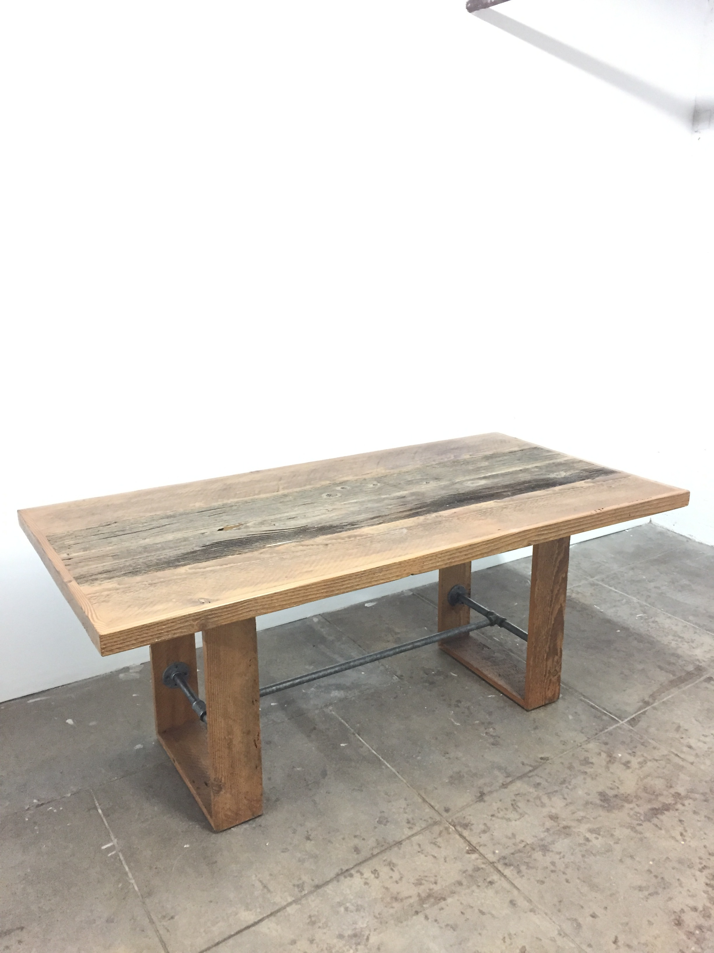 Table 6' x 3' QTY:1 Price: $100