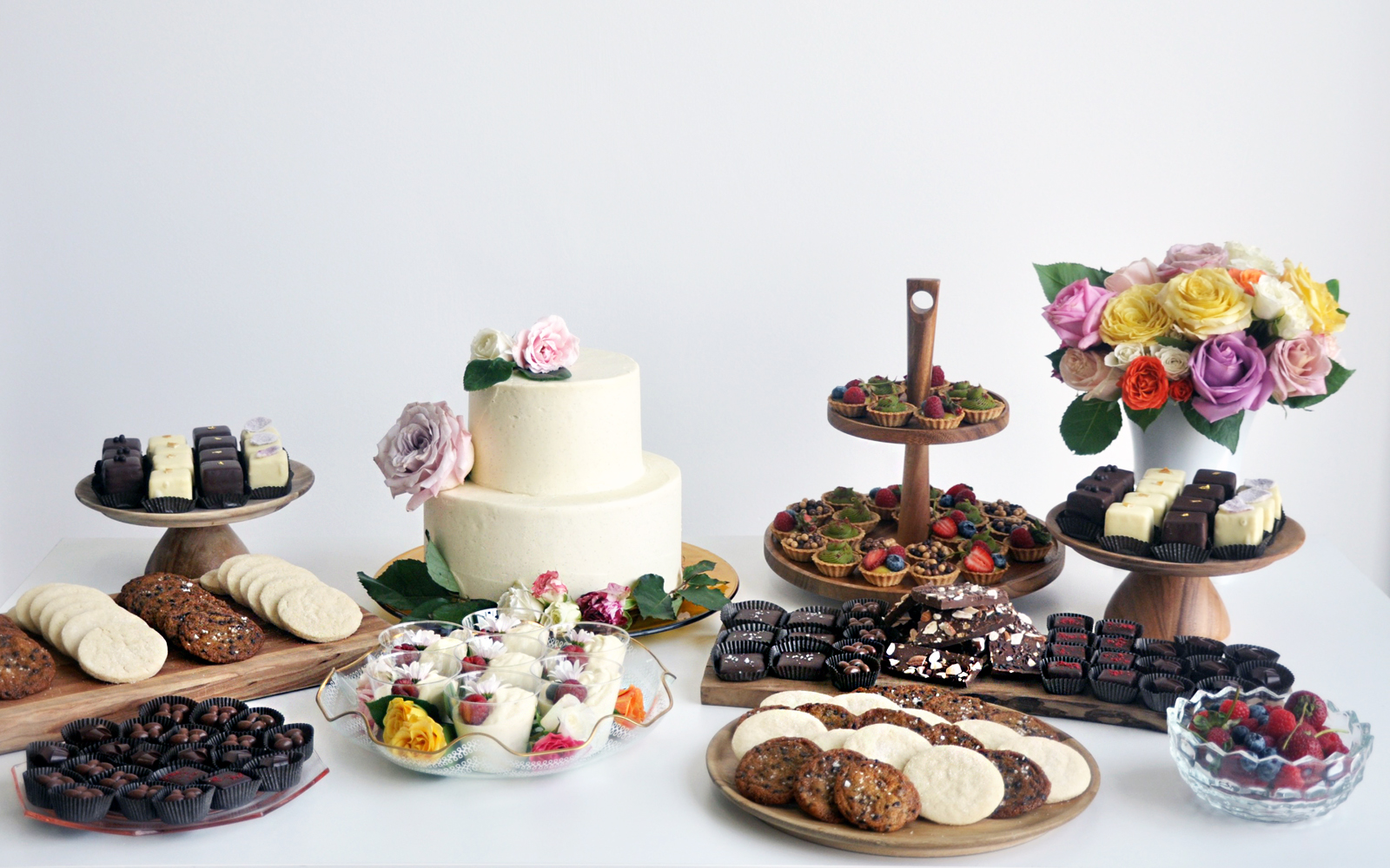 DESSERT_TABLE_FOR WEB.jpg