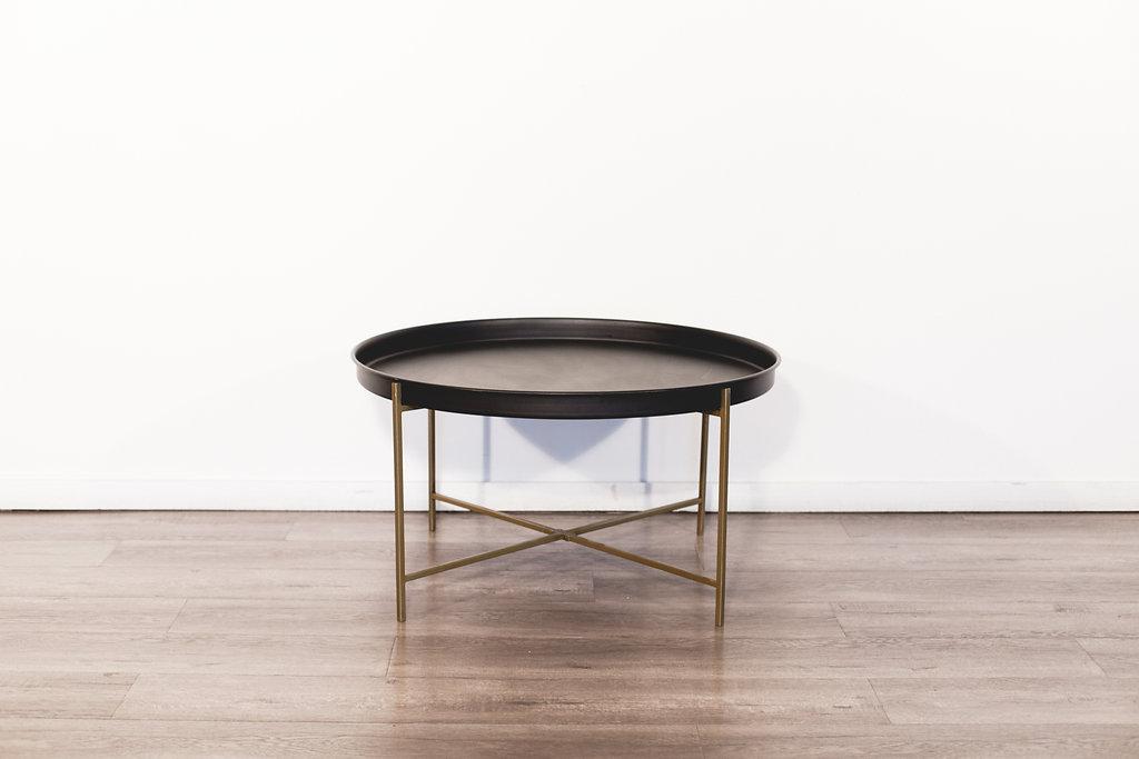 "Coffee Table 33"" diameter 18"" tall. Quantity: 1 Price: $100"