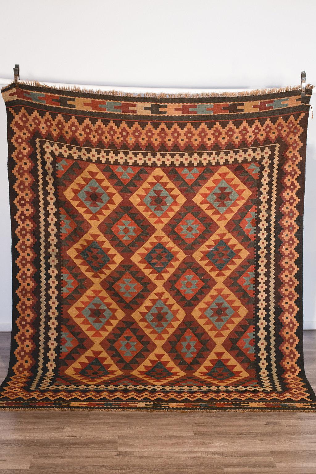 Aztec Rug Large 8.5' x 6.5' Quantity: 1 Price: $150