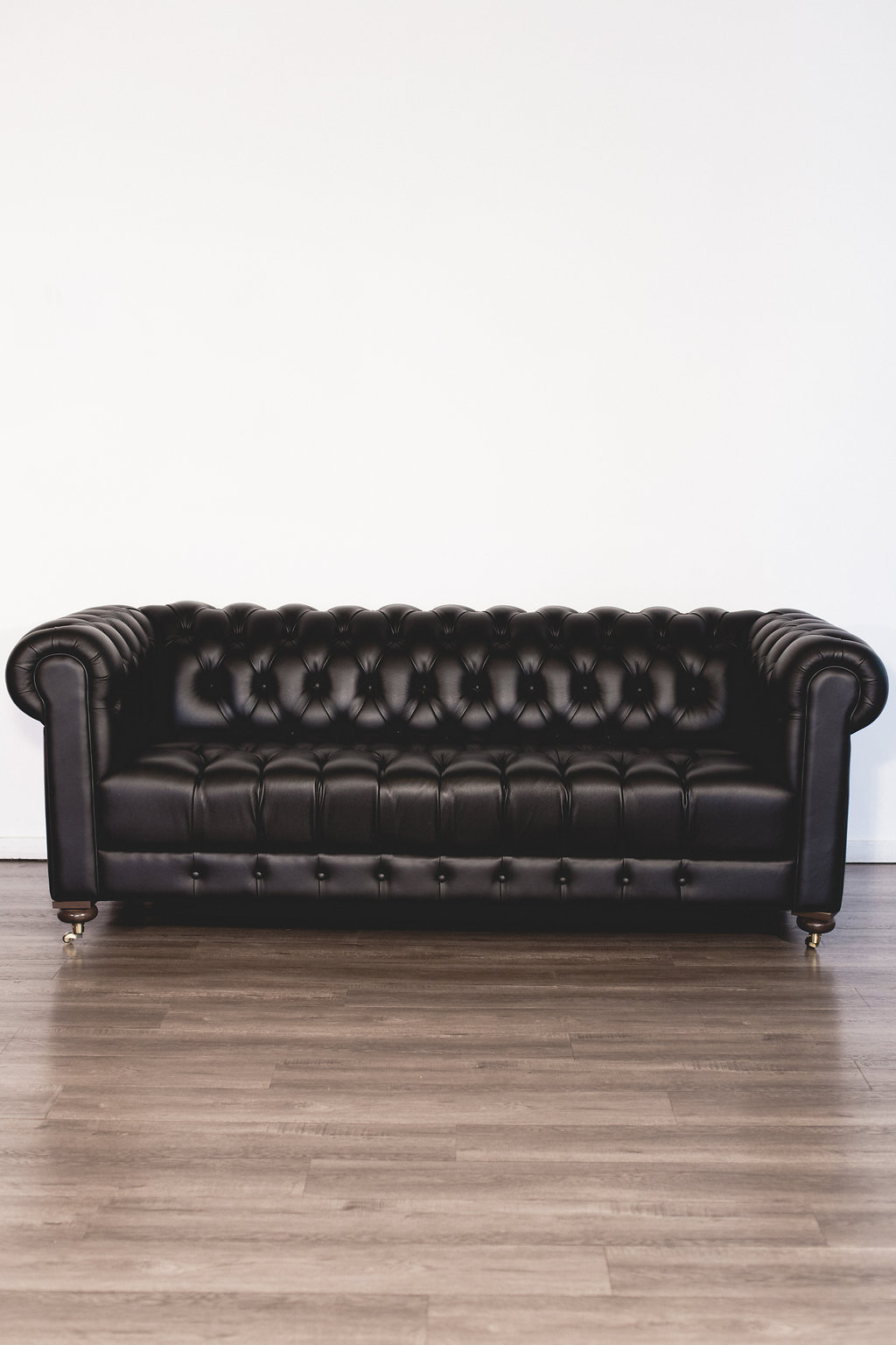 Black Leather Sofa Quantity: 1