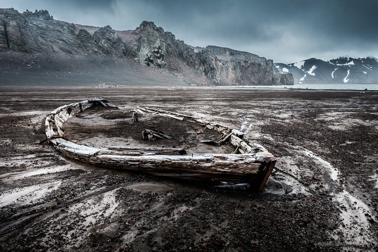 Remains of the boat at Whalers Bay in Deception Island.