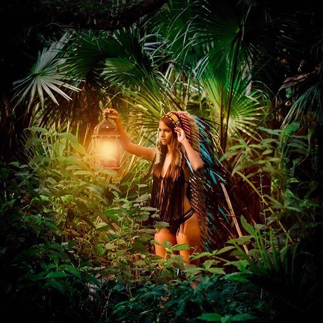 @mercedesg_benz early Halloween feels with this mystical fairy-tale vibe🐇 PC: @littleskullphotography  #aureusarts #handmade #indianheaddress #headdress #fitnessmodel #halloweenparty #halloween #festivalcostume #edm #halloweencostume #ShopLinkInProfile 🔮