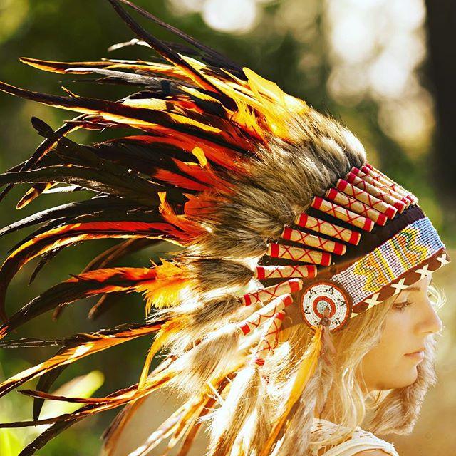 @candace.owens and @brookemayo making all the elements come together in this great shot 🌞 #aureusarts #indianheaddress #headdress #halloween #edm #festival #coachella #edc #burningman #ShopLinkInProfile - Headdress Giveaway details in Bio! #aureusartsgives4000