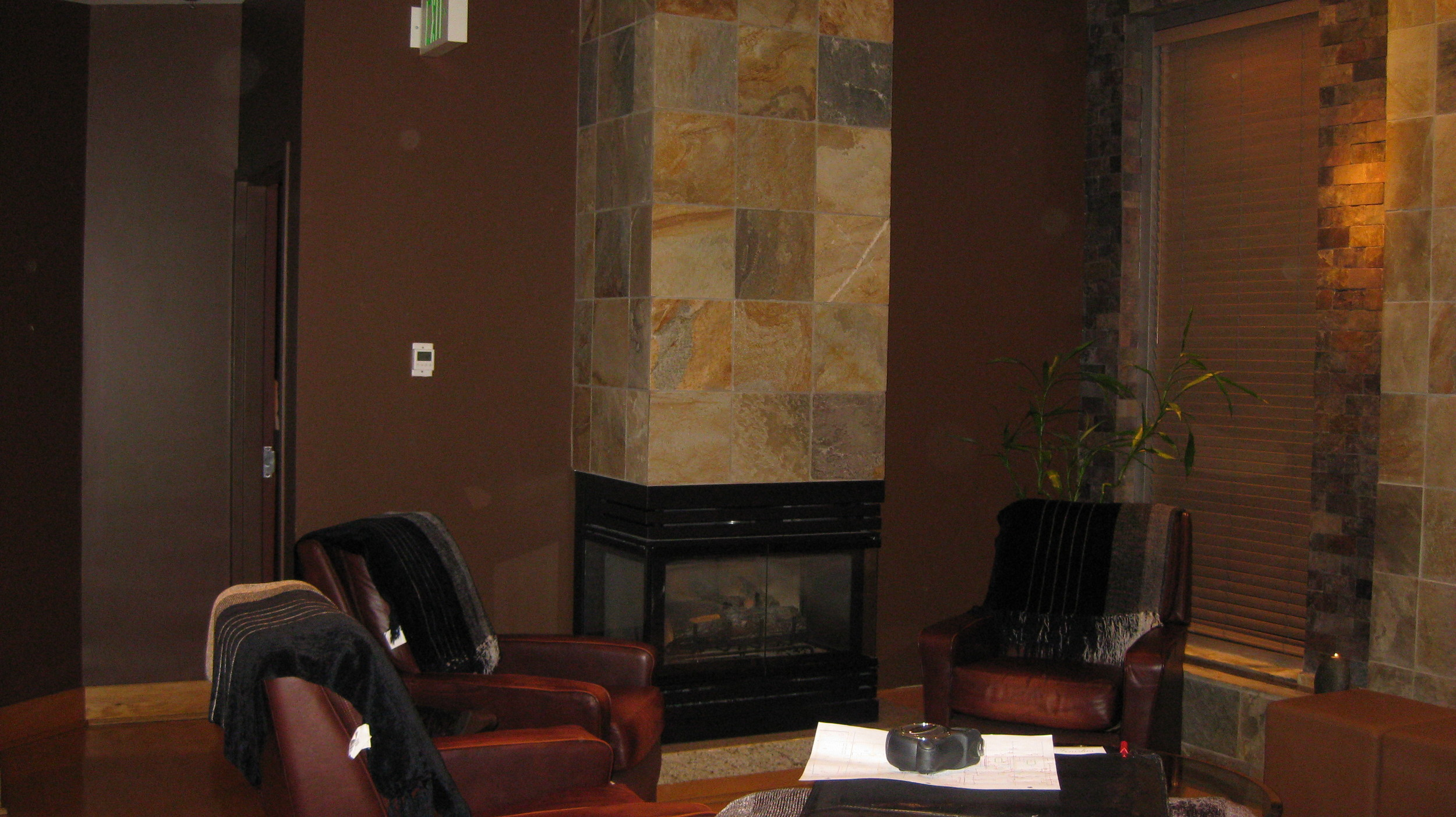 Lounge before renovation