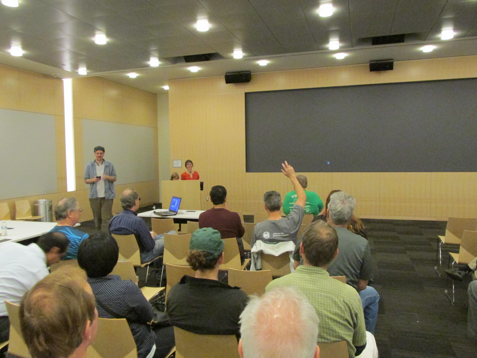 Q&A with the EV driving crowd at SVEAA.