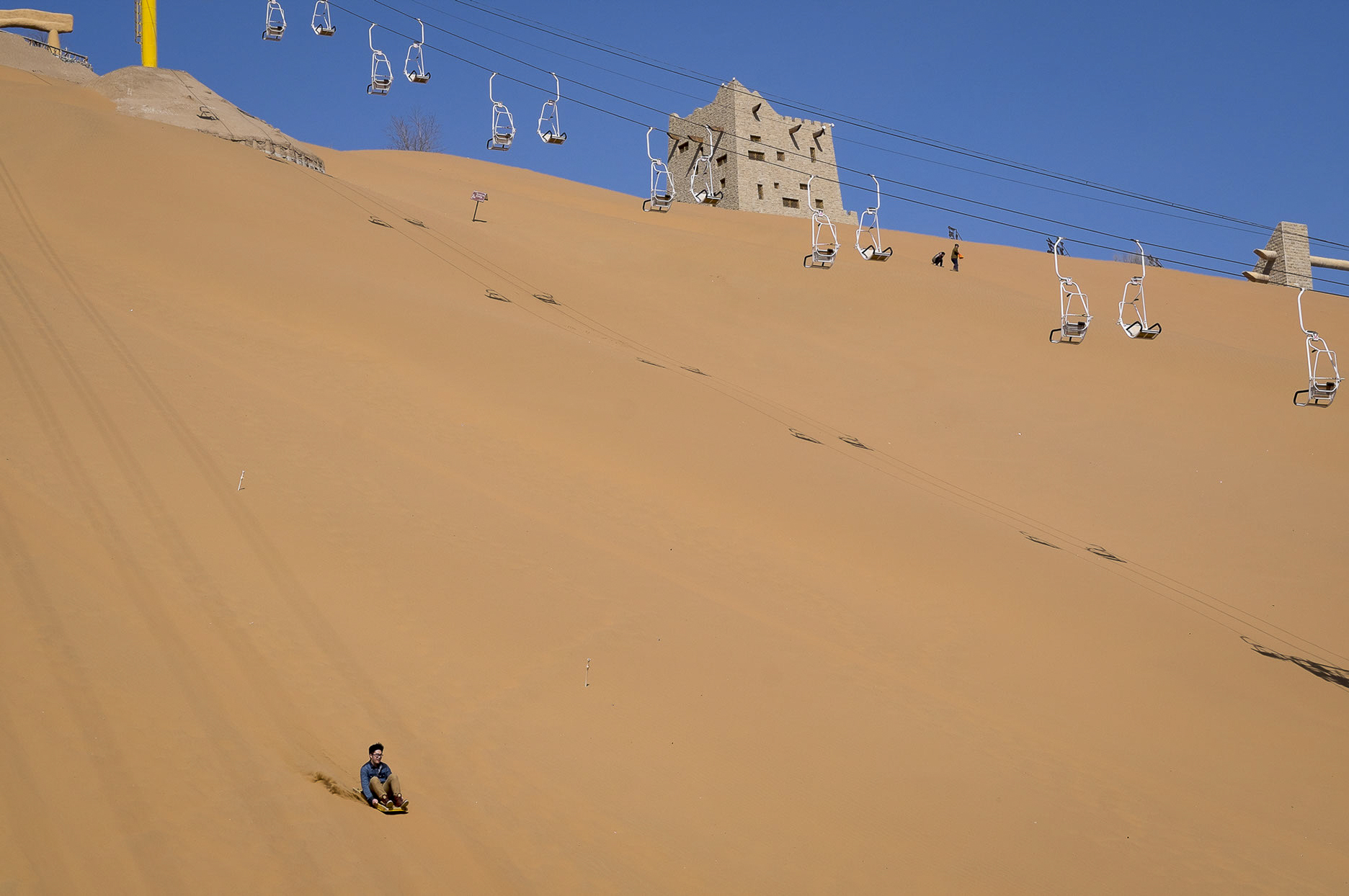 07-10977-The land of sand-07.jpg