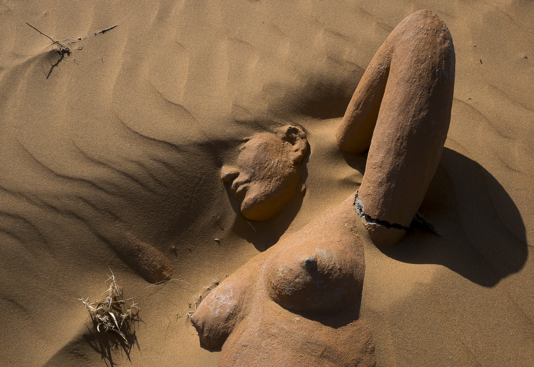 07-10977-The land of sand-03.jpg