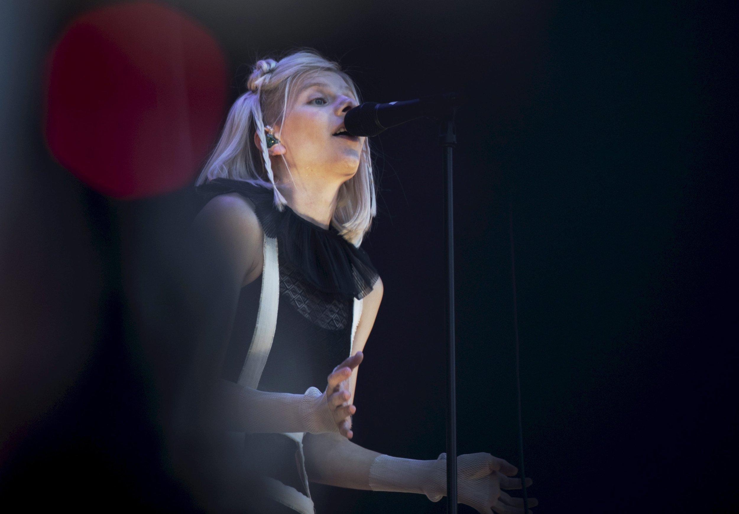 Singer Aurora