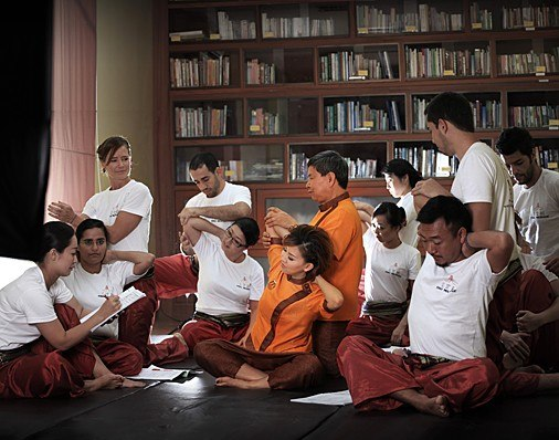 item8.rendition.slideshowHorizontal.international-training-massage-school-thailand.jpg