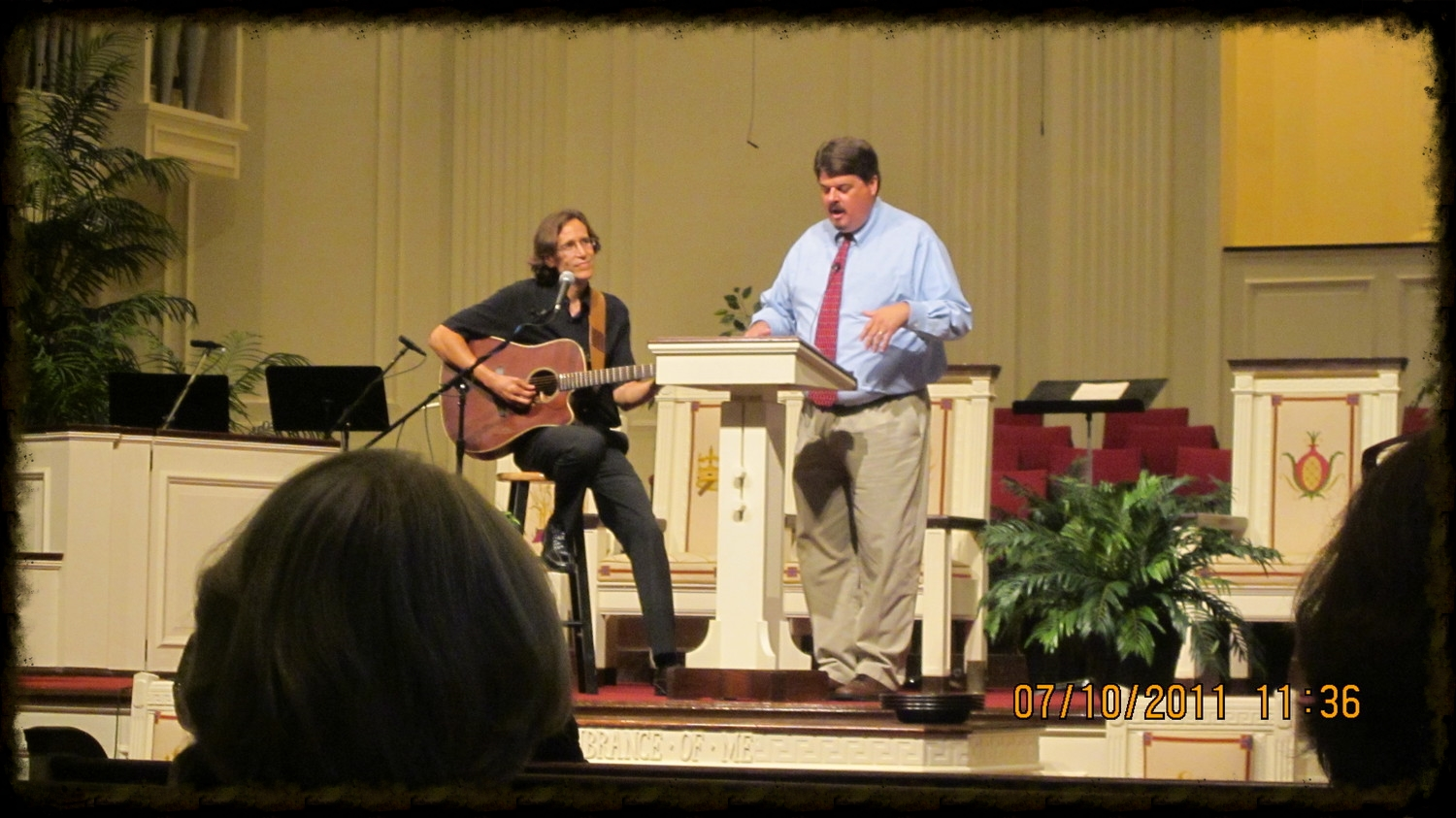 Bert at First Baptist, Memphis, with Jeno Smith on guitar.