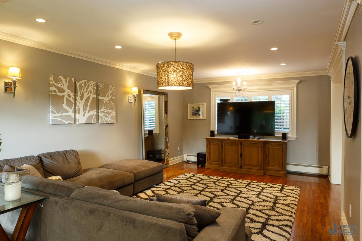 St. James Home For Sale_ Long Island Real Esate Photographer __ Affordable Photographer _ Jonathan Heisler014.jpg