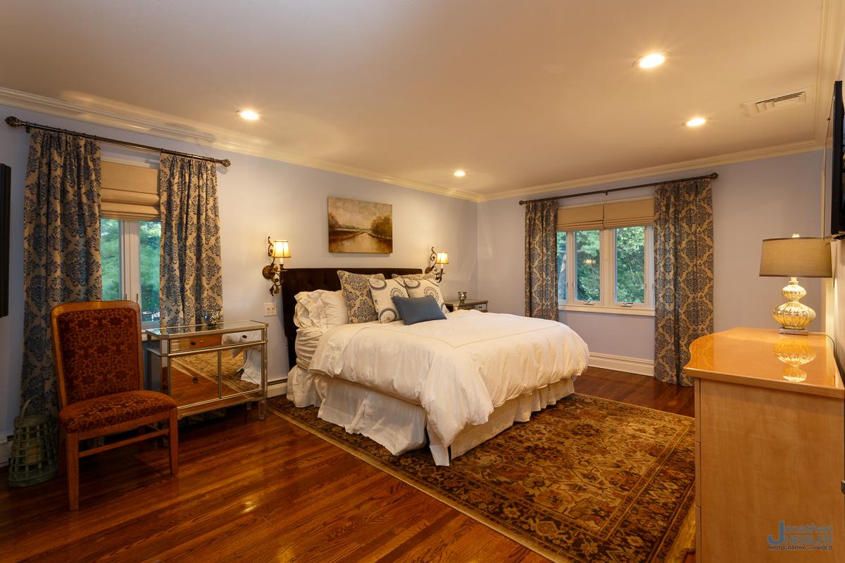 St. James Home For Sale_ Long Island Real Esate Photographer __ Affordable Photographer _ Jonathan Heisler017.jpg