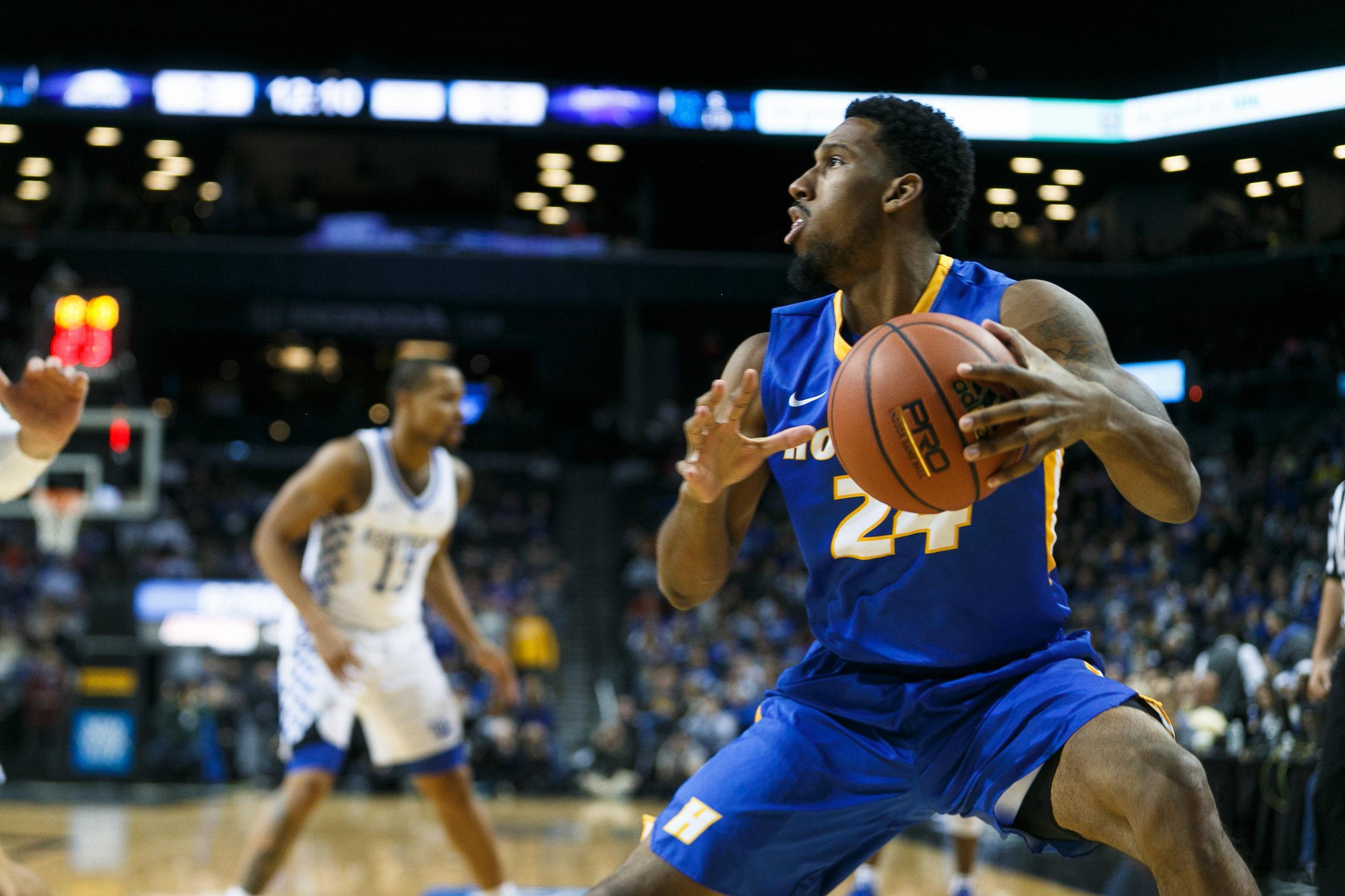 12.11 Hofstra Basketball vs Kentucky at Barclays_  Jonathan Heisler  _ _ 12112016 _ 796.jpg