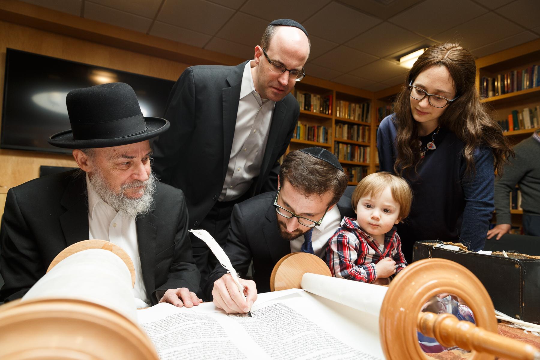 New Torah Ceremony_  Jonathan Heisler  _ _422017 _ 316.jpg