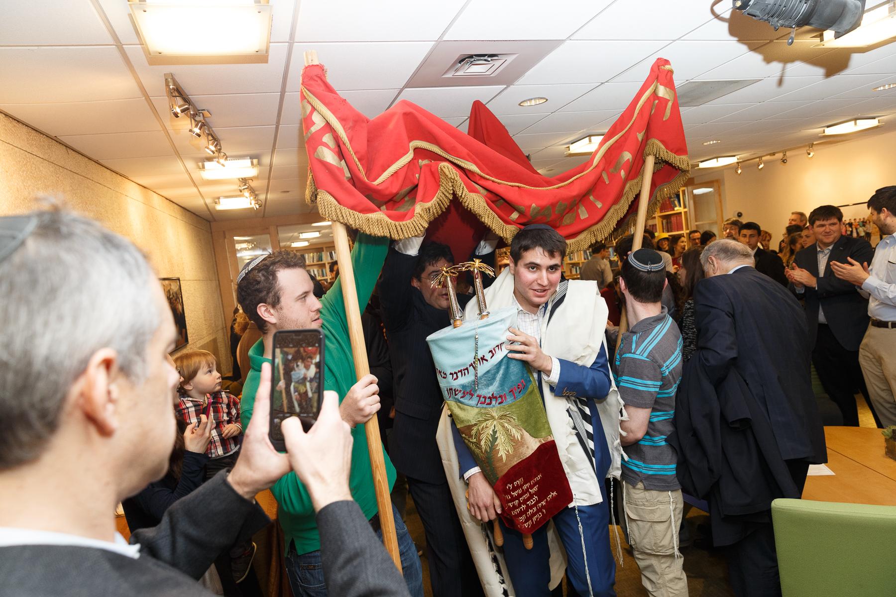 New Torah Ceremony_  Jonathan Heisler  _ _422017 _ 416.jpg