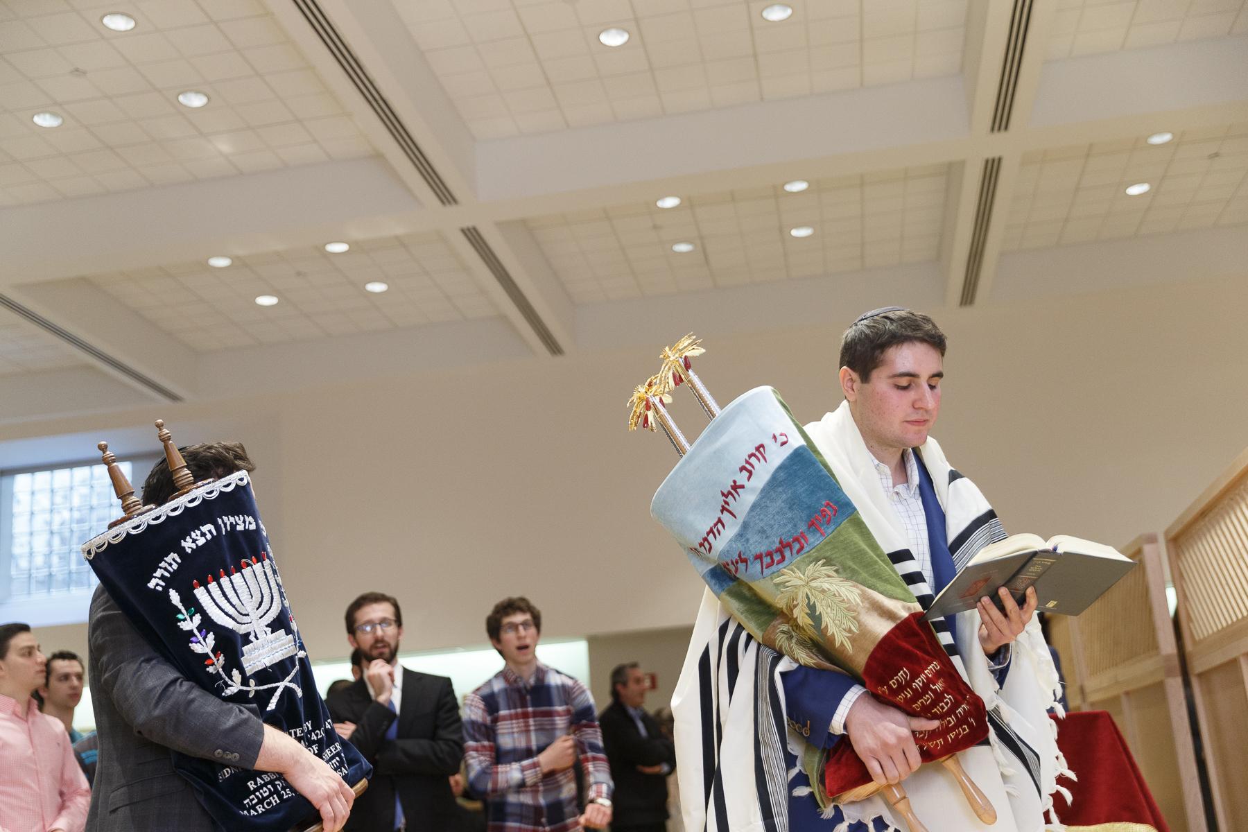 New Torah Ceremony_  Jonathan Heisler  _ _422017 _ 499.jpg