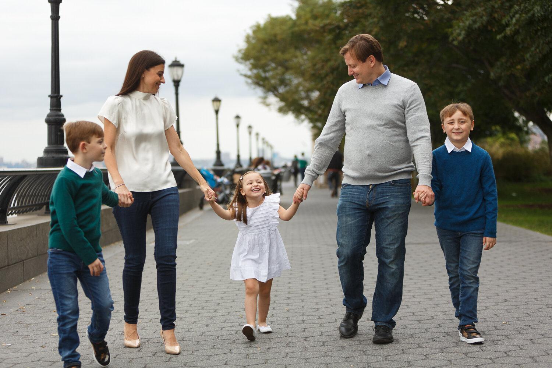 Rockefeller Park Battery Park Family Photo Session _ Jonathan Heisler _ 10022019 _0002.jpg
