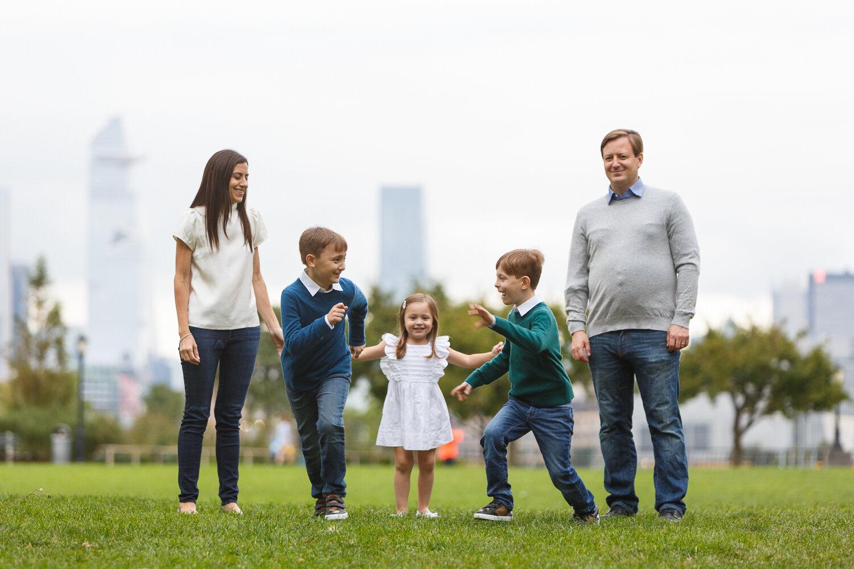 Rockefeller Park Battery Park Family Photo Session _ Jonathan Heisler _ 10022019 _0008.jpg
