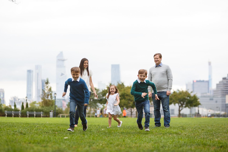 Rockefeller Park Battery Park Family Photo Session _ Jonathan Heisler _ 10022019 _0009.jpg