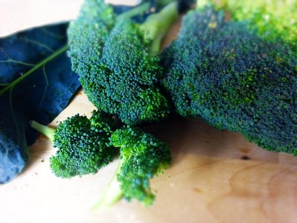 antiaging-beauty-curried-broccoli-potato-soup.jpg