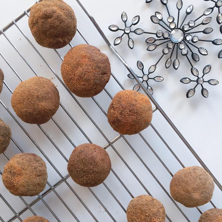 Pfeffernusse Cookies 2.JPG