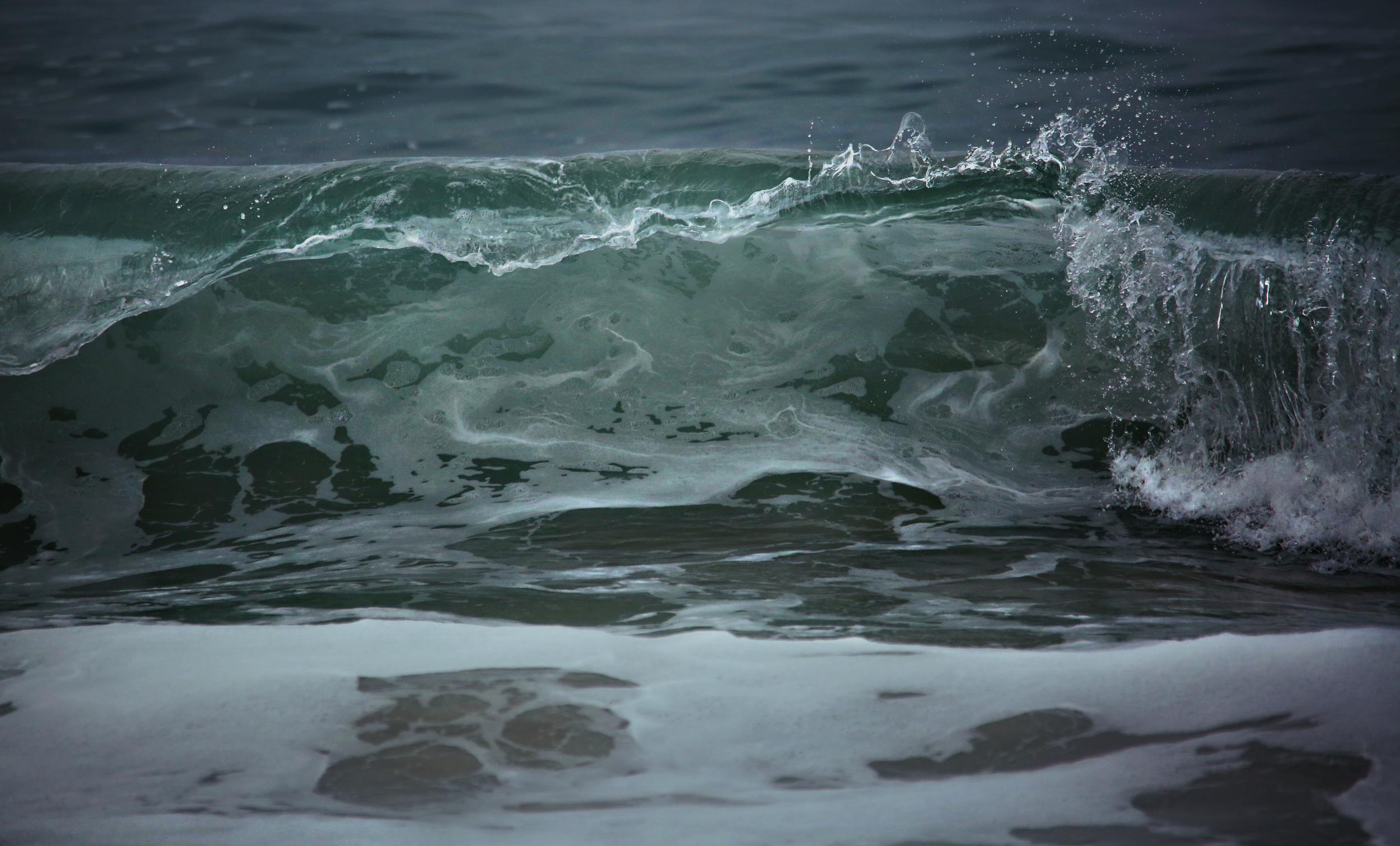 ShorebreakWaveCrash01.jpg