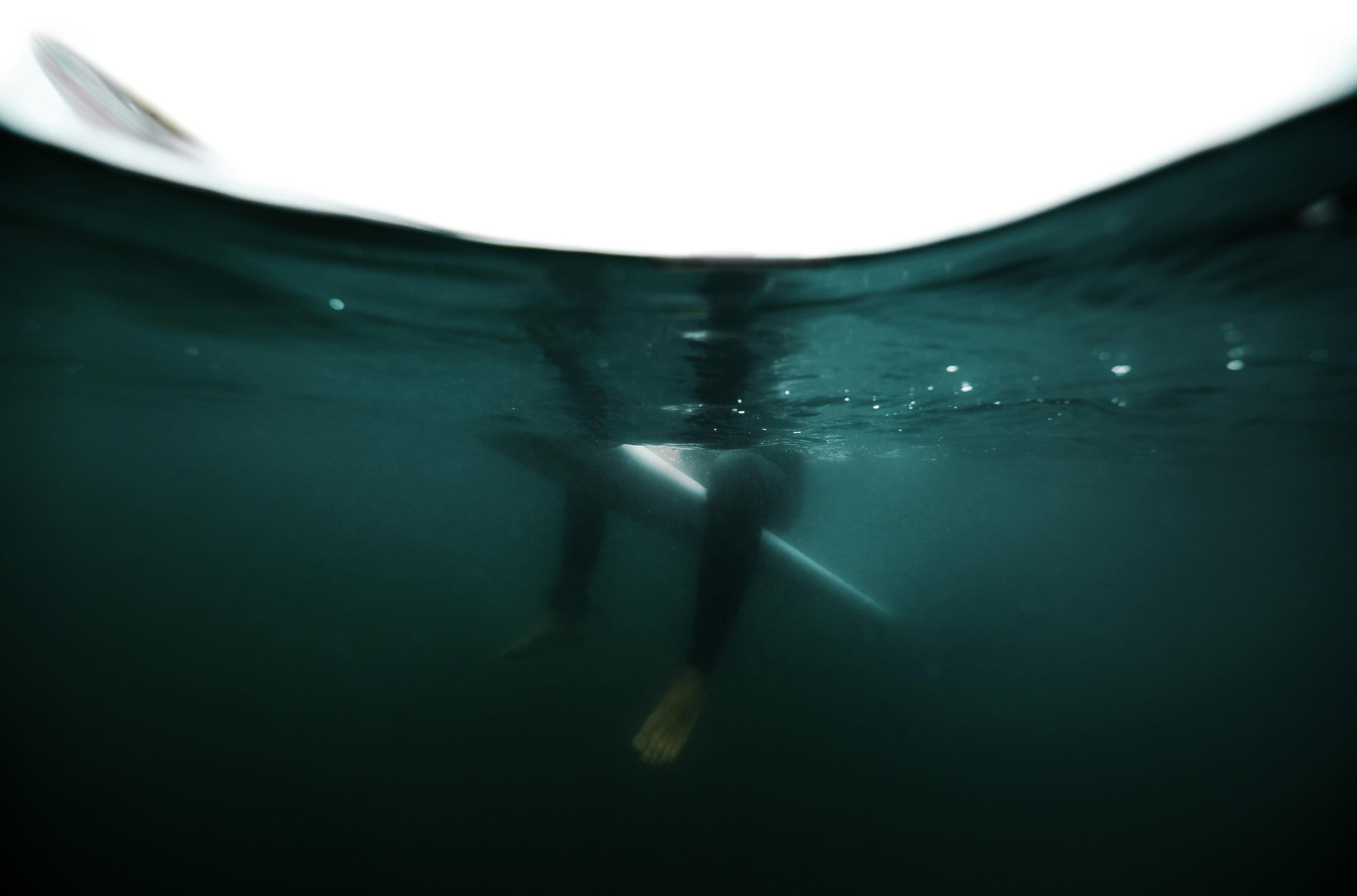 IanUnderwaterSplitSit01.jpg