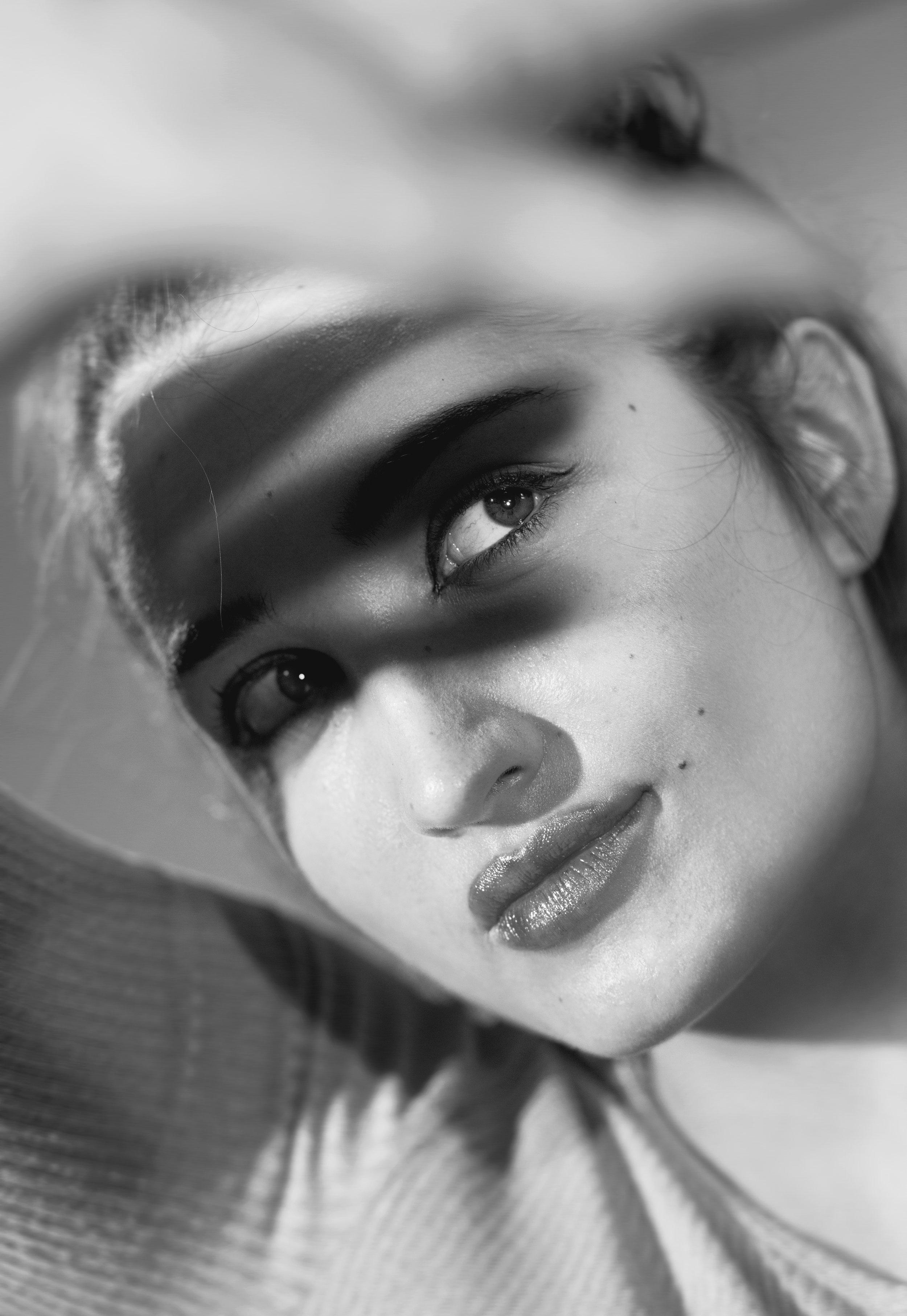 Ari_Portrait_Shadows_01_BW.jpg