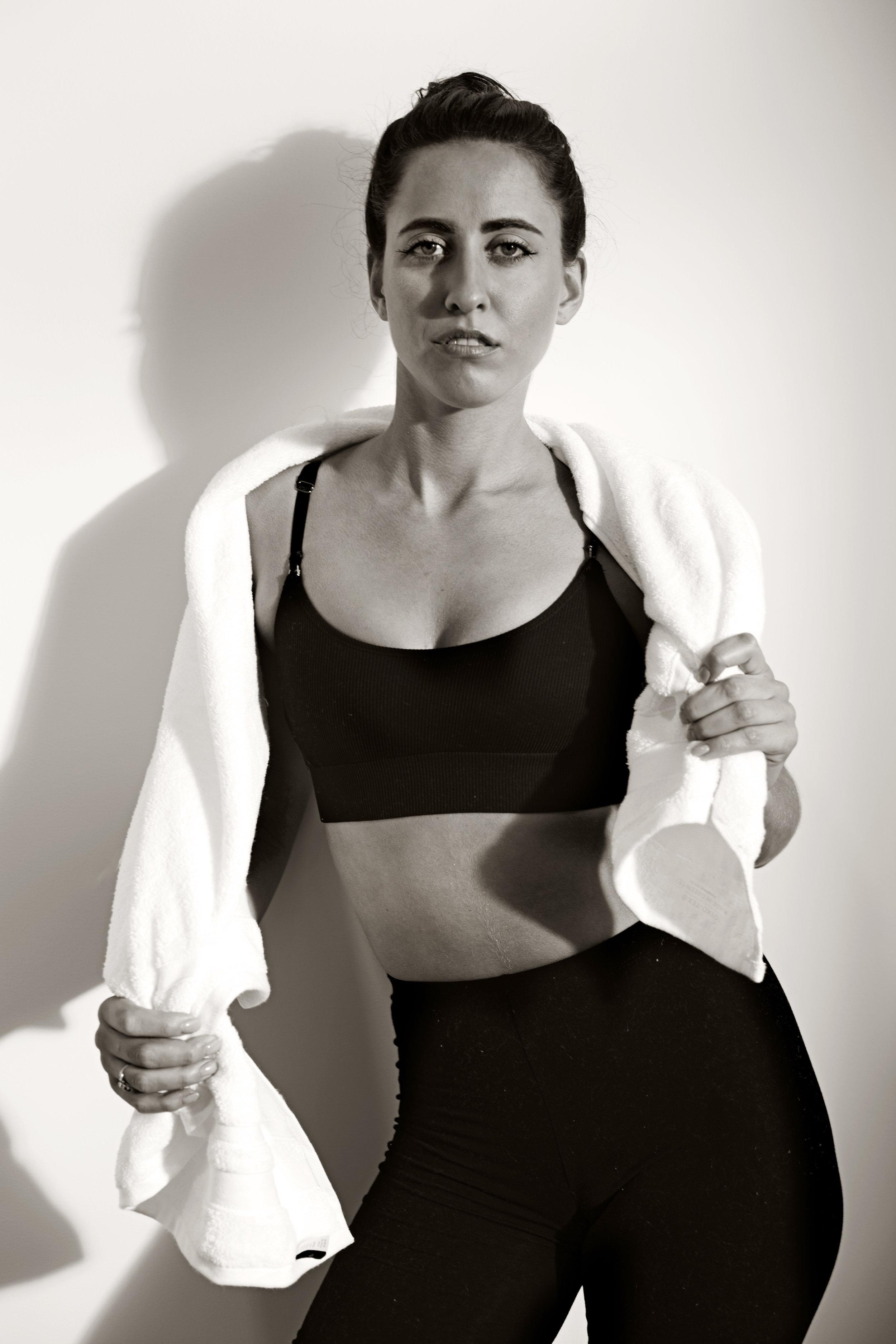 Anna_Towel_Fitness_Editorial_01.jpg