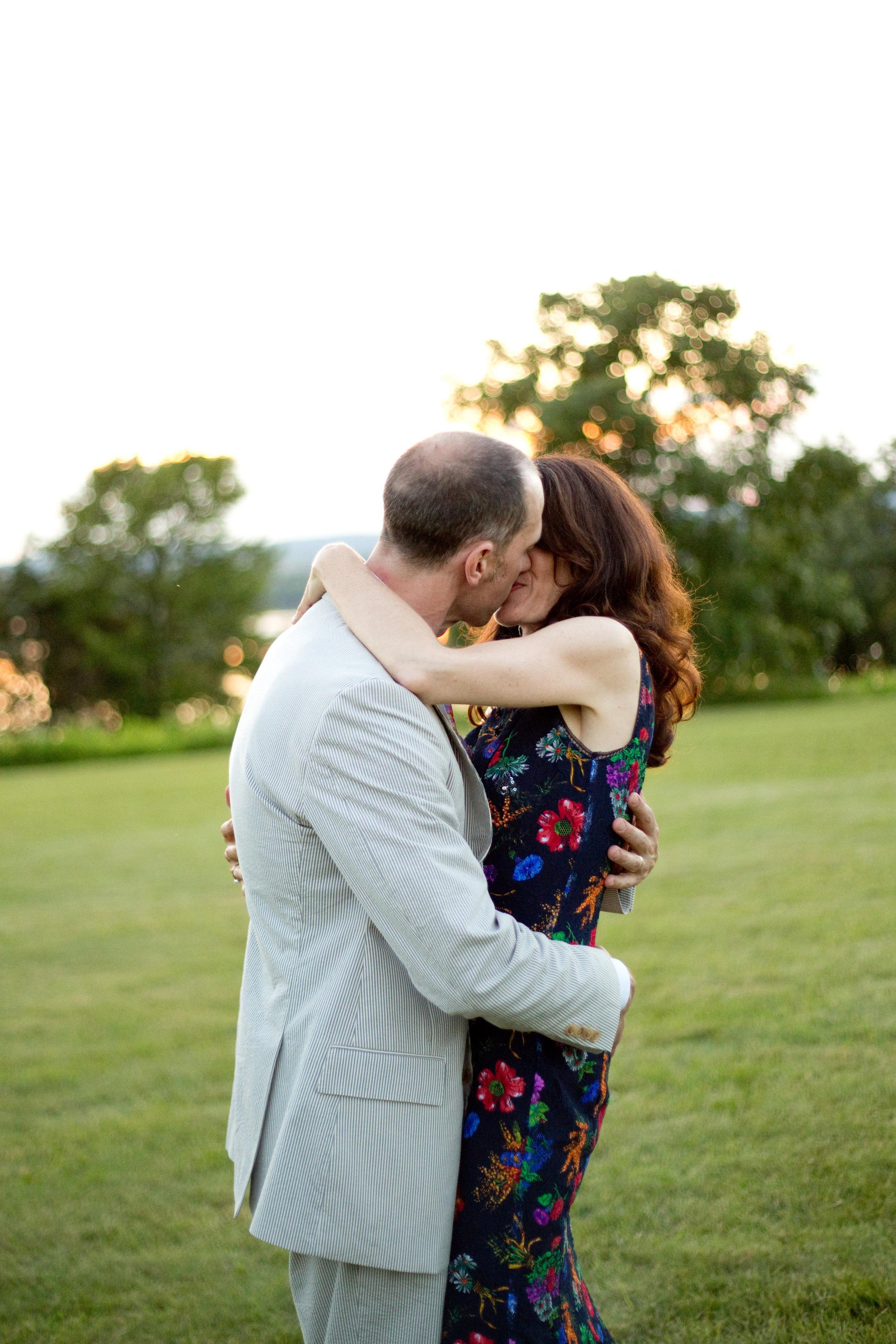 Gwen and Robert-Couple Photos-0055.jpg